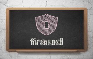 Ilustração de quadro-negro com palvra fraude