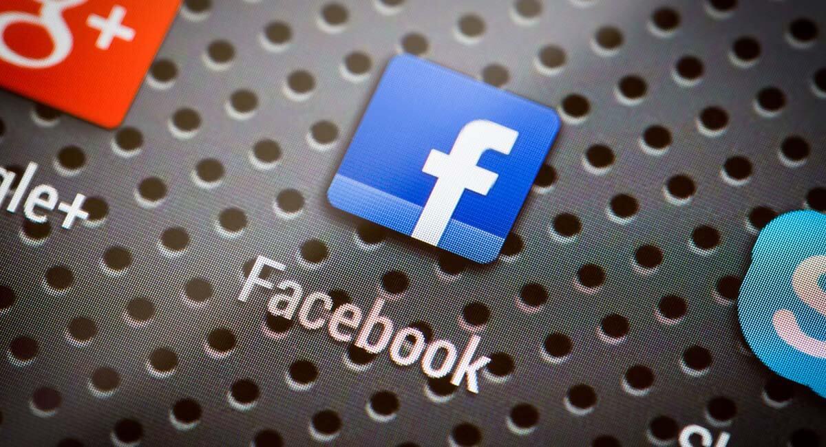 Logomarca Fcaebook em ilustraçaõ com direitos reservados © scyther5