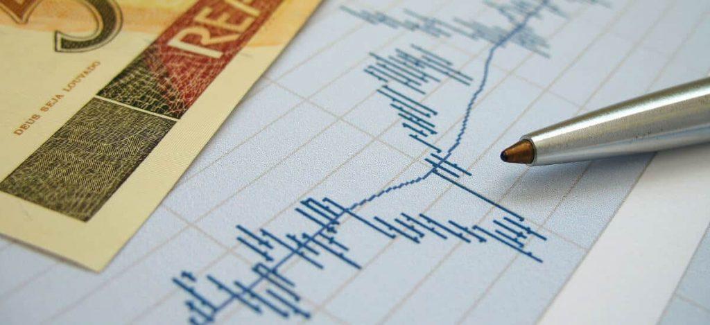 Papel com gráfico oscilante e caneta