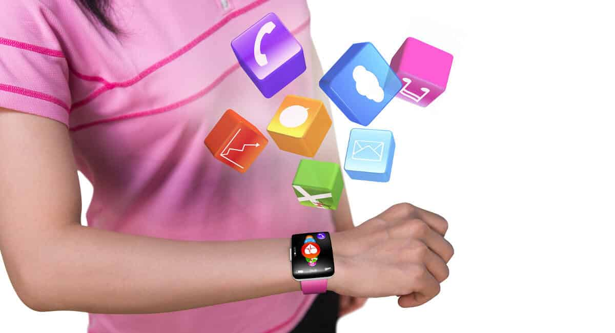 Mulher com smartwatch saindo ilustrações diversas