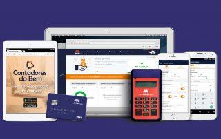 Maquininha Mobi ao lado de cartão pré-pago celular e tablet mostarndo app em fundo azul