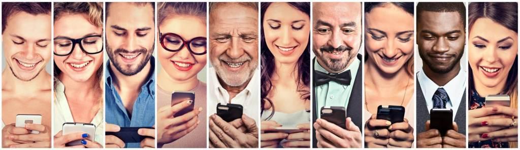 Ilustração de diferentes pessoas olhando para o celular em suas mãos