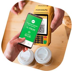 Ilustração com mão segurando celular e fazendo pagamento na Moderninha através do QR code