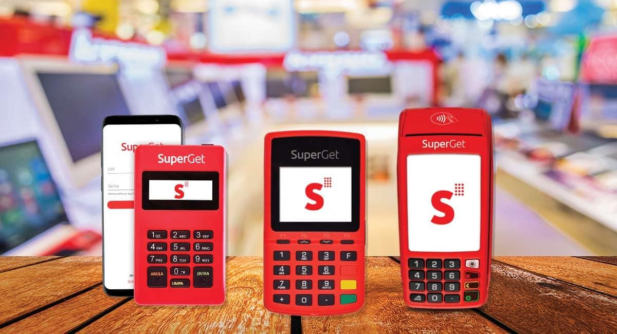 Maquininhas de cartão SuperGet Mobile, Com Chip e Com Bobina sobre funco mostrando uma loja