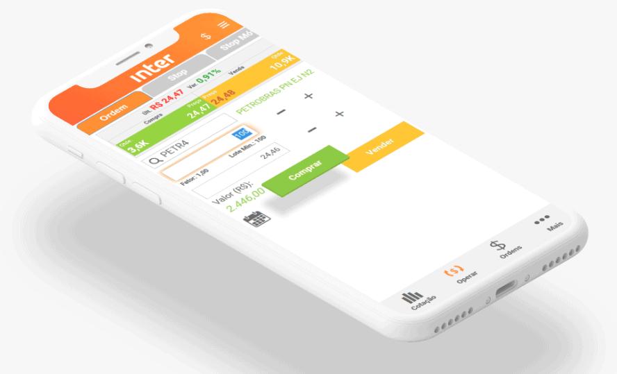 Smartphone mostrando tela de transação do app do Banco Inter