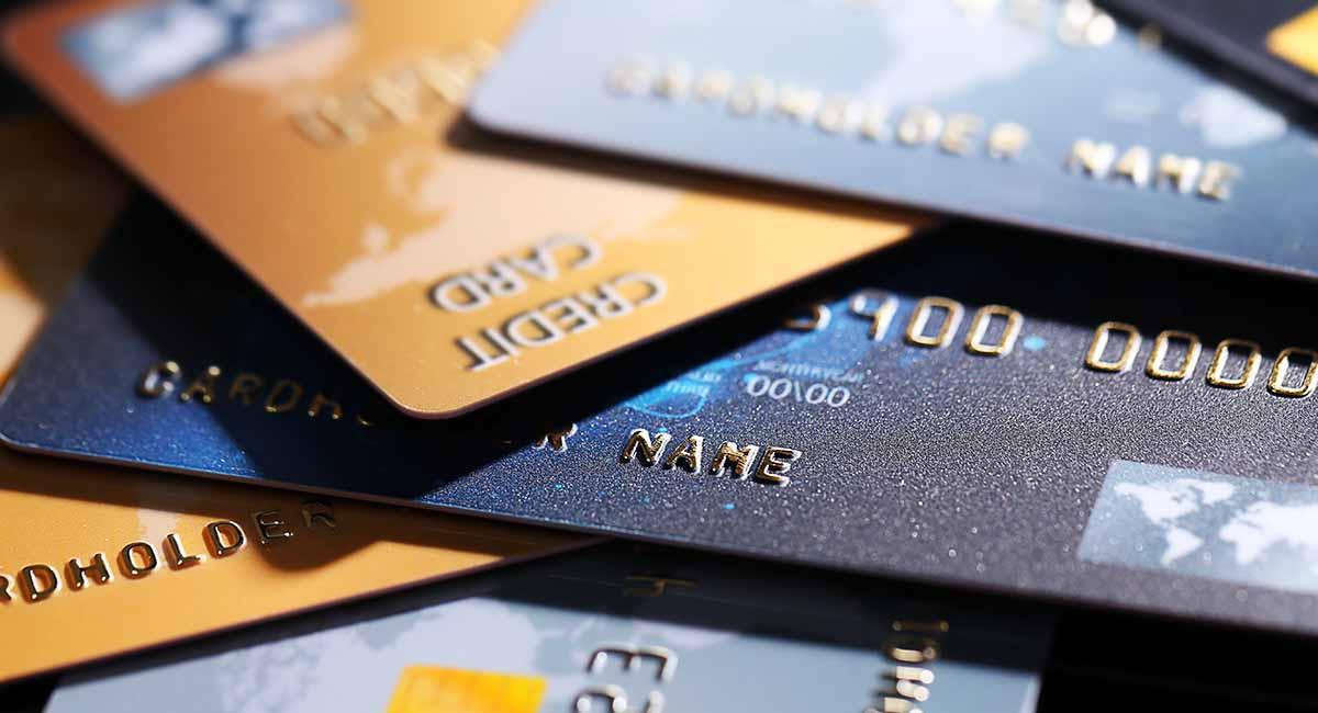 Vários cartões de crédito