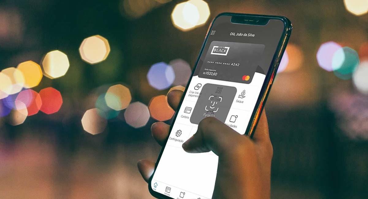 Celular mostrando app da Conta Black