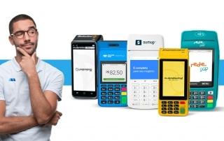 Homem tentando escolher entre Moderninha Pro, Smart, SumUp Total, Rede Pop e Mercado Pago Point Pro 2