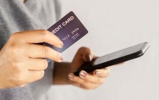 cartão de crédito e celular